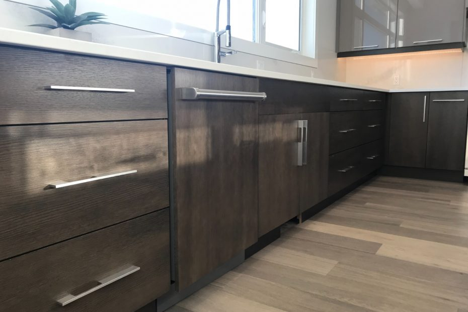 best kitchen cabinets Edmonton | kitchen remodelling ideas | replace door and cabinets | Rennovate by replacing your door and windows | 5 things to consider before replacing your doors and windows |